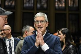 Tim Cook, CEO of Apple speaks while unveiling new products during a launch event at the Brooklyn Academy of Music on October 30, 2018 in New York City (Photo by Stephanie Keith/Getty Images)GETTY